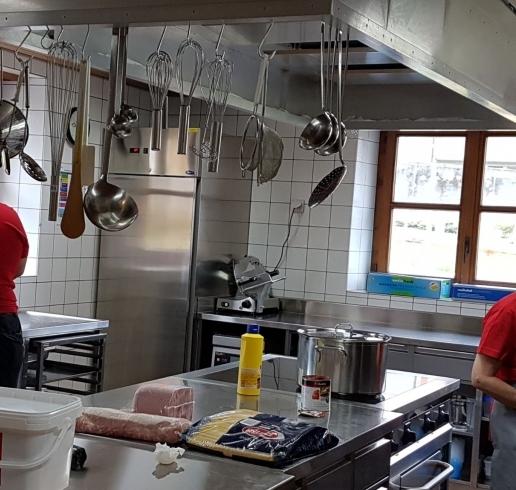 Fondation Foyer Handicap Plan Les Ouates : Cuisine chaude au foyer portiuncula à brigue fondation